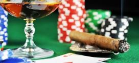Póker online y póker real